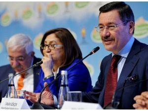 AK Parti 5. Yerel Yönetimler Sempozyumu