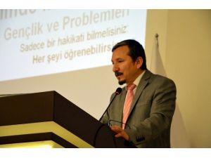Gençliğin Sorunları Ve İnovatif Yaklaşımlar Konferansı Düzenlendi