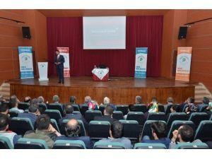 """""""Yeni Anayasa Ve Başkanlık Sistemi"""" Konferansı Düzenlendi"""
