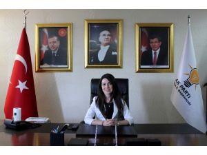 AK Parti Manisa İl Kadın Kolları Başkanı İstifa Etti