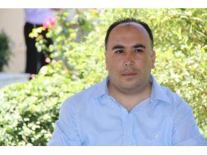 AK Parti'li Meclis Üyeleri İstifa Etti