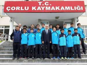 Çorlu Ortaokulu'nun Başarılı Öğrencilerinden Kaymakam Kılıç'a Ziyaret