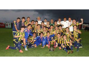 Coca-Cola Gelişim Elit U17 Ligi'nde şampiyon Fenerbahçe