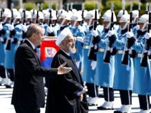 Erdoğan, İslam Zirvesi'ndeki Kınama Kararı Sonrası Ruhani'yi Ağırladı