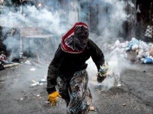 Okulu Ateşe Vermek İsteyen Teröristleri Maskedeki İpucu Ele Verdi