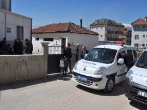 Cami Tuvaletinin Kapalı Olmasına Kızan Kişi Dehşet Saçtı