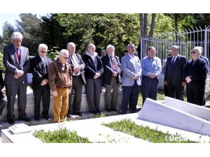 Beşiktaş'ta Hakkı Yeten kabri başında anıldı