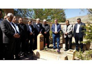 Hamido Mezarı Başında Dualarla Andı