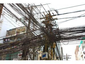 Kaçak elektrik dünyanın sorunu; Hindistan'ın üçte biri kaçak kullanıyor