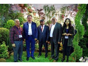 Malatya Büyükşehir Belediye Başkanı Ahmet Çakır, Tarım Fuarı'nı Gezdi