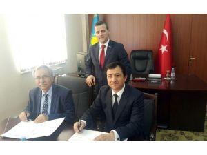 Ahmet Yesevi Üniversitesi İle Bartın Üniversitesi Arasında İşbirliği Anlaşması
