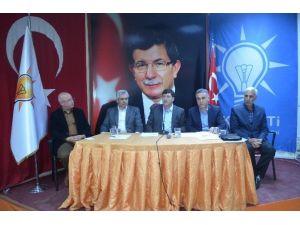 AK Parti Belediye Meclis Üyeleriyle İstişare Toplantısı Yaptı