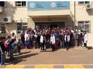 Hemşirelik Öğrencileri Köylülere Kanseri Anlattı