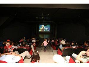 'Çılgın Dostlar: Korkak Kahraman' Animasyon Filmi Osm'de Gerçekleştirildi