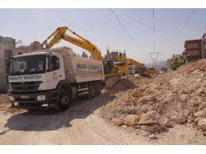 Haliliye Belediyesi Yeni Yol Açma Çalışmalarını Sürdürüyor