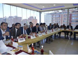 AK Parti'li vekiller STK'lardan görüş aldı