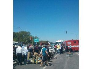 Menemen'de İki Otomobil Çarpıştı: 6 Yaralı