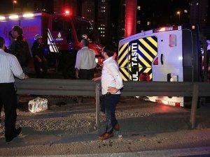 Düğünden dönenleri taşıyan minibüs devrildi: 14 yaralı