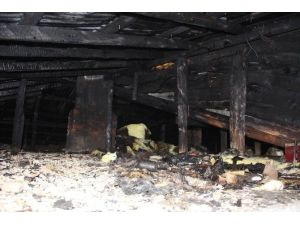 Çatı Yangını Korkuttu
