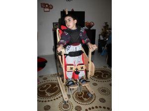 5 Yaşındaki Mustafa'nın Yürüyebilmesi İçin Tedavi Süreci Başladı