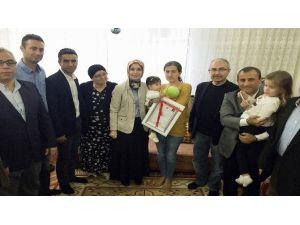 Kaymakam, Şehit Ailesini Ev Sahibi Yaptı