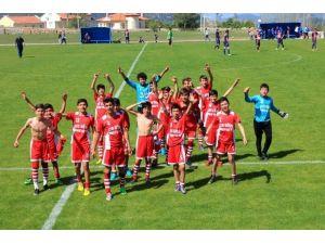 Salihli 50. Yıl Ortaokulu, Fethiye'de Şampiyon Oldu
