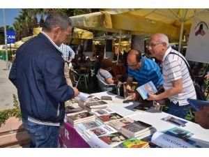 İzmirli Yazarlar Aliağa'da Okurlarıyla Buluştu