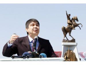 Yeni Yeri Anketle Belirlenen Ulusal Birlik Anıtı Törenle Açıldı