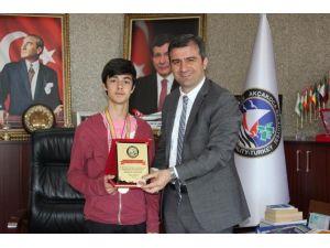 Başkan Yemenici, Türkiye 1'incisini Ödüllendirdi