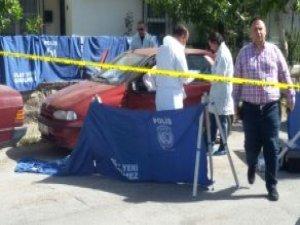İzmir'de Anne ile Oğluna Arabada İnfaz