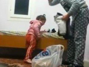 """Böyle Anne Olmaz Olsun! Minik Evlada """"Sen Haram Çocuksun"""" Dayağı"""