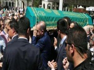 Cumhurbaşkanı Erdoğan, Salih Tuna'nın Babasının Cenaze Törenine Katıldı