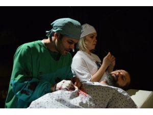 'Albayın Karısı' adlı oyun tiyatro sevenlerin beğenisine sunulacak