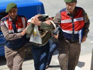 Kablo Hırsızları Çalıntı Malzemelerle Birlikte Yakalandı