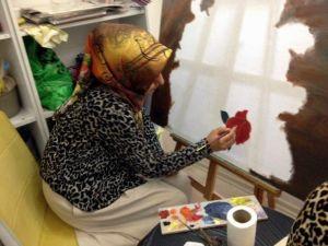 Eruhlu Kadınlar, Ressamlara Taş Çıkartıyor