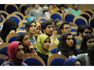 BEÜ'de İnsan Hakları Konuşuldu