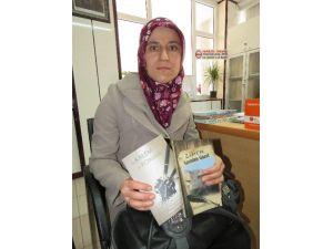 İnternette Tanışan Üç Kadın Eserlerini Kitapta Topladı