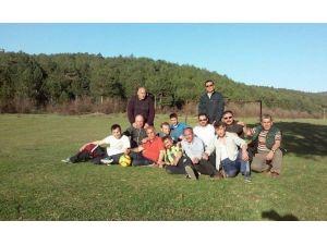 Balık Pazarı Esnafı Piknikte Stres Attı