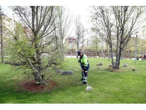 Şehitkamil'deki Parklara Bahar Geldi