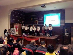 Minik Öğrencilerden Kutlu Doğum Haftası Kutlaması