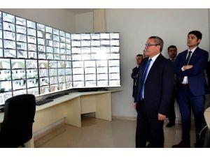 """Vali Deniz: """"Türkgözü Sınır Kapısında Tır Kuyrukları Oluştu Haberi Asılsızdır"""""""