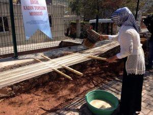 Eruh'ta Şal-şapik El Dokuma Kumaşı Geçim Kaynağı Oldu