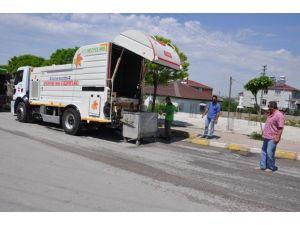 Dilovası'nda Çöp Konteynerleri Temizleniyor