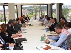 Belediye Zirvesi Haftalık Toplantısını Gerçekleştirdi