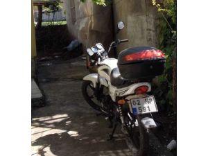 Bahçedeki Motosiklet Çalındı