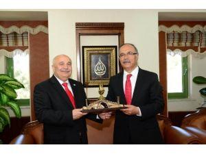 Rektör Çelik, Adıyaman Üniversitesi'nde Konferans Verdi