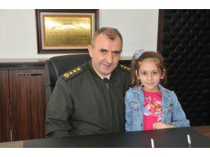 Minik komutandan görevli askere 'çocukların korunması' emri