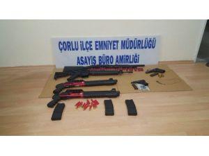 Huzur Operasyonunda Çok Sayıda Pompalı Tüfek Ve Silah Ele Geçirildi