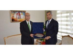 Başkonsolos Ehara Vali Erkal'ı Ziyaret Etti