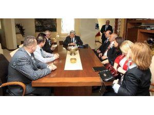 Derneklerden Başkan Karaosmanoğlu'na Ziyaret